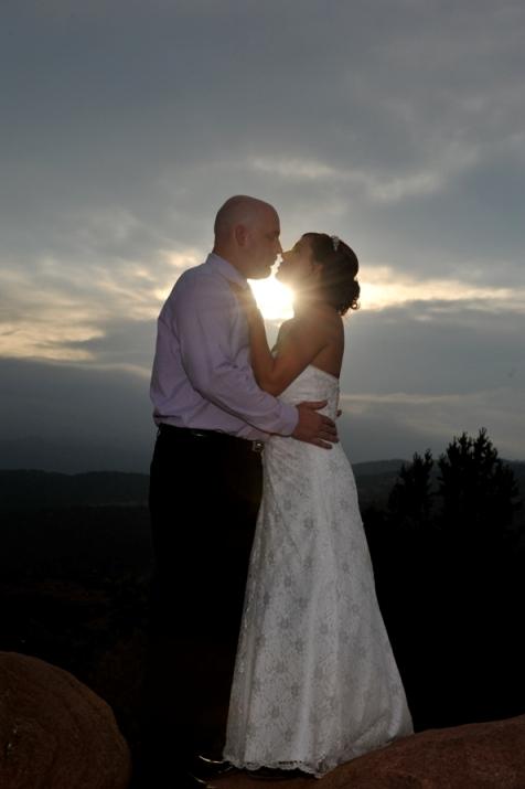 garden-gods-sunset-wedding