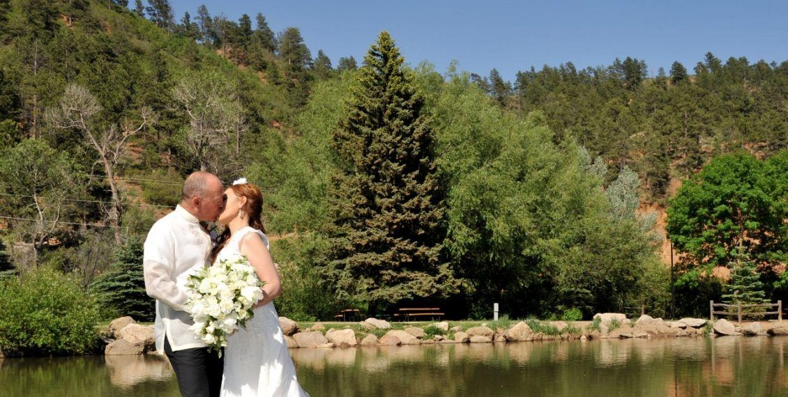 green-mountain-falls-gazebo-wedding
