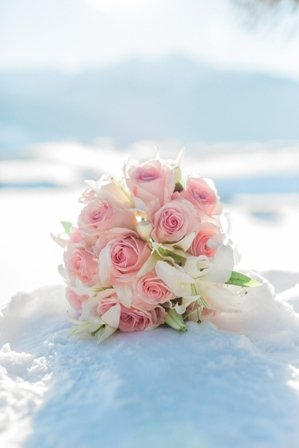 winter bouquet pink roses