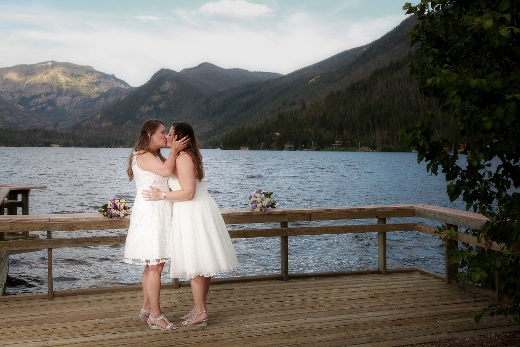 kissing on the lake in Colorado