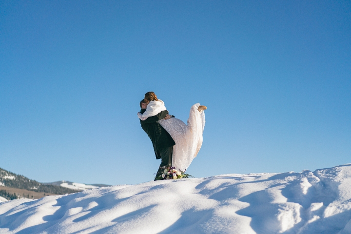 winter elopement in Crested Butte