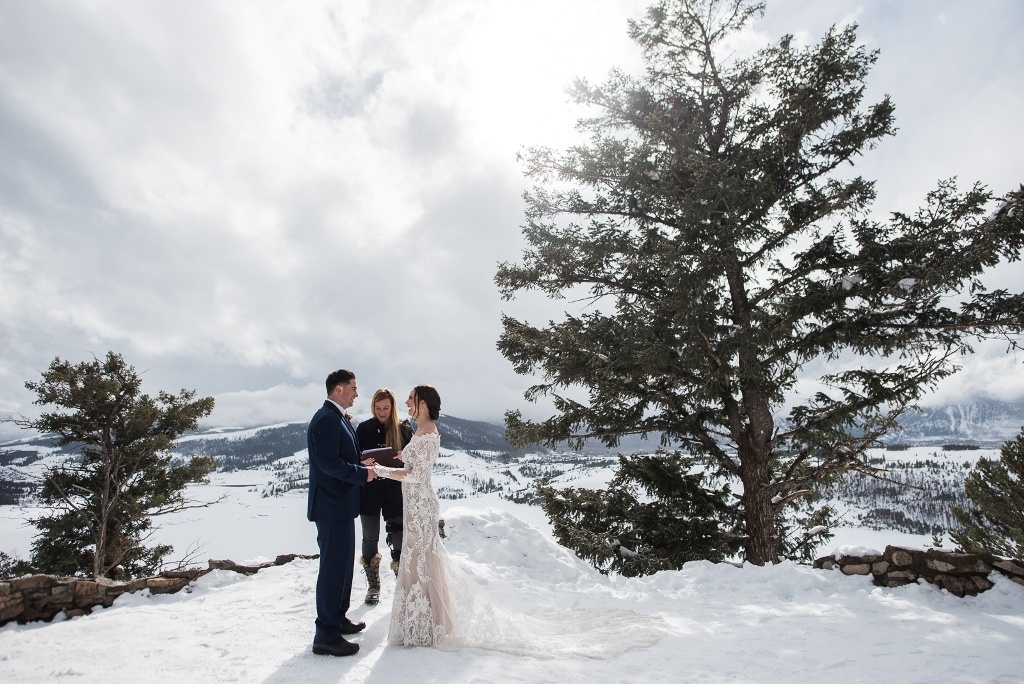 one of our favorite places to elope in Colorado in winter