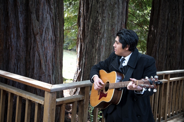 redwood wedding guitarist