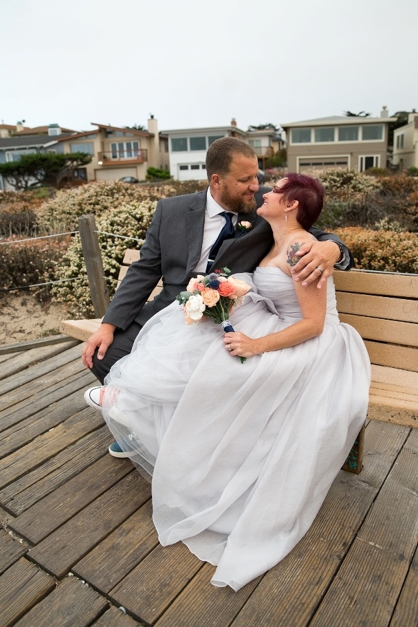 kissing on the bench