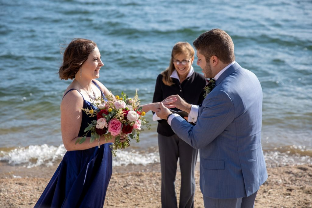 Saying I do on the shores of Lake Dillon in Breckenridge
