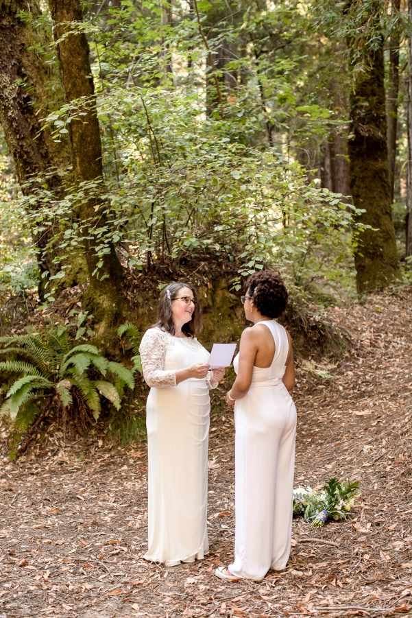 Maija and Hally exchanging vows