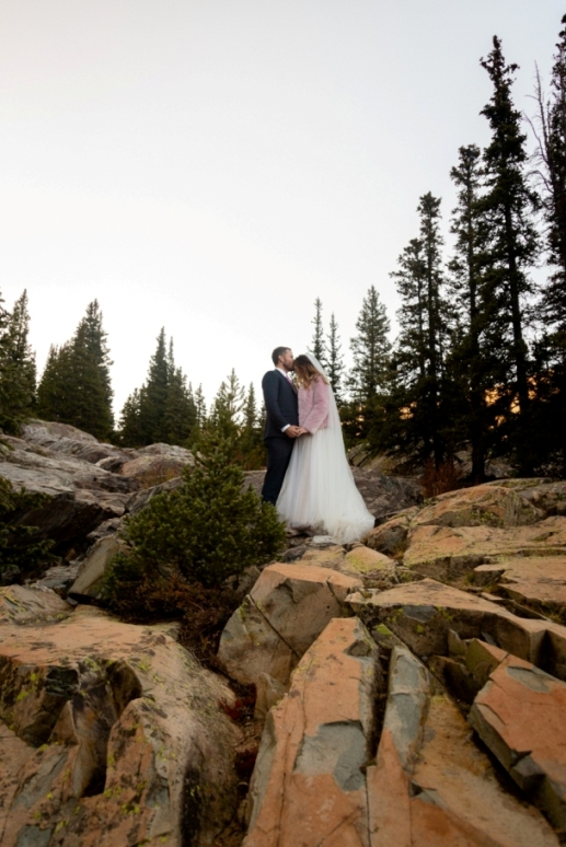 Breckenridge wedding on the rocks